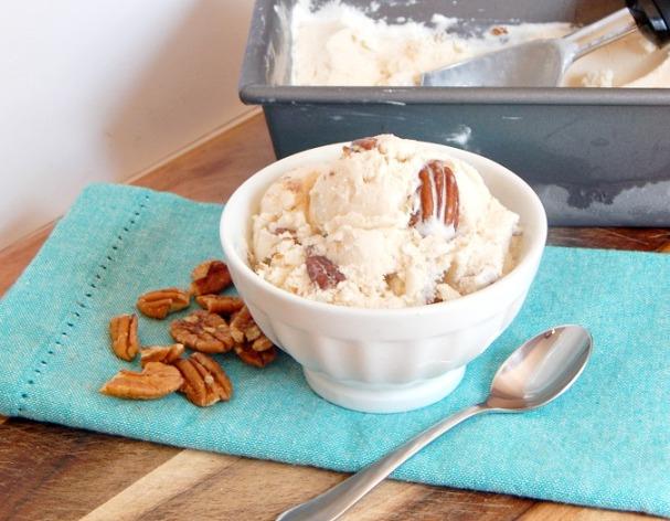 Maple-Pecan-Ice-Cream-2